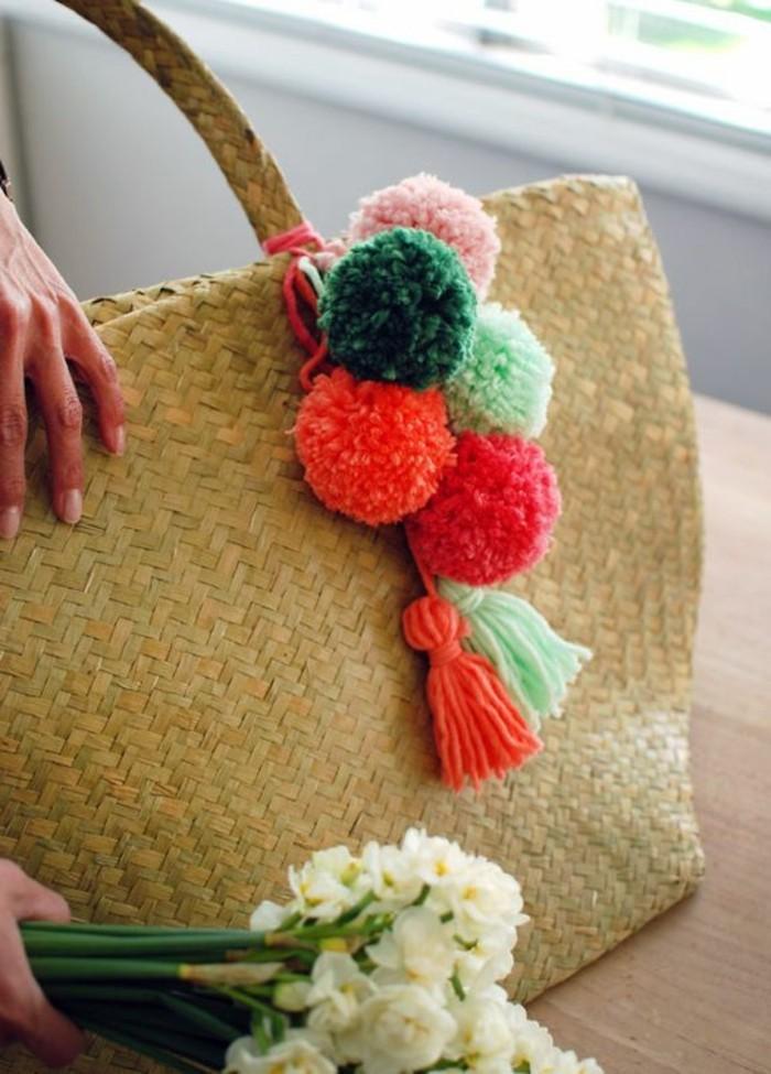pompon-en-laine-bouquet-de-printemps-sac-a-main-dete
