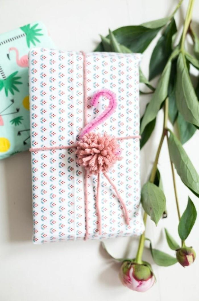 pompon-en-laine-cadeau-emballage-creativite