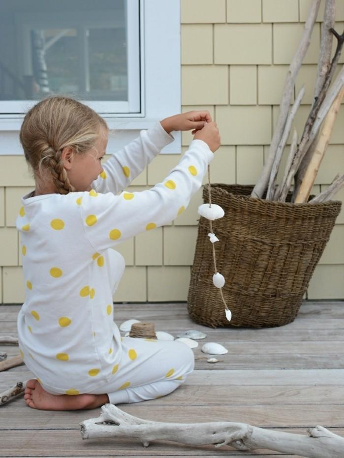 que-faire-avec-des-coquillages-fille-heureuse-bricolage-maison