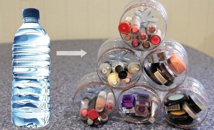 rangement-de-maquillage-compose-de-plusieurs-fonds-de-bouteilles-en-plastique-deco-recup-recyclage-bouteille-plastique