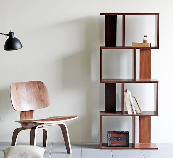 colonne de rangement elle se dresse pour une conomie d 39 espace. Black Bedroom Furniture Sets. Home Design Ideas