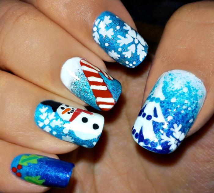 ravissant-modele-nail-art-manucure-noel-festive-bleu-et-blanc