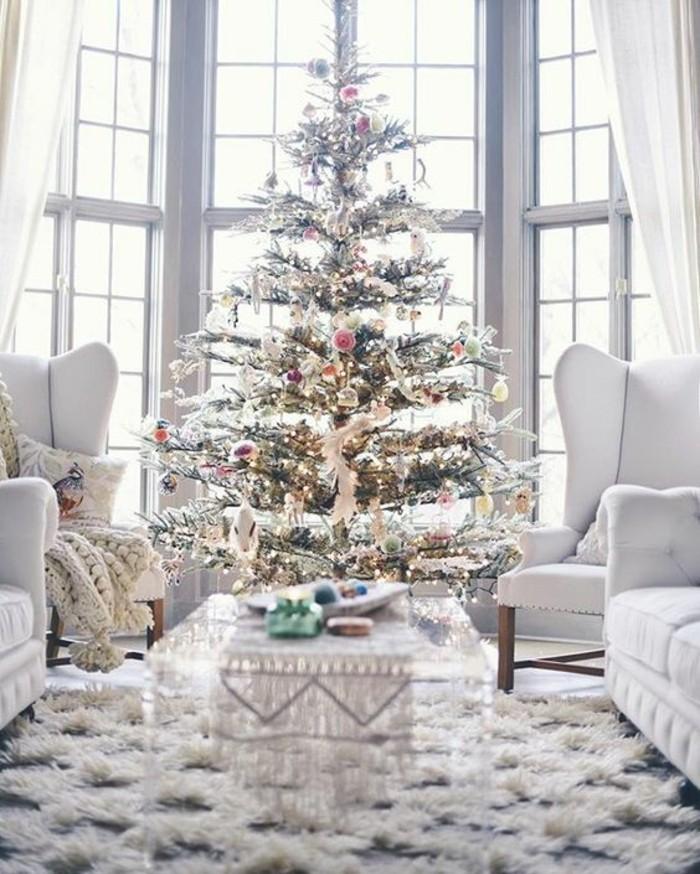 ravissante-decoration-sapin-sapin-de-noel-deco-belle-salle-de-sejours