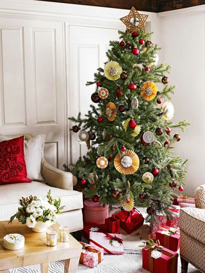ravissante-decoration-sapin-sapin-de-noel-deco-cadeaux