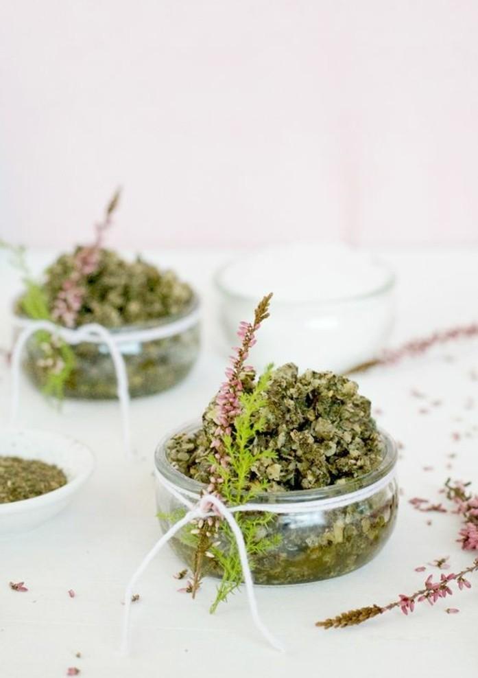 recette-de-gommage-visage-facile-a-preparer-flocons-davoine-et-the-vert