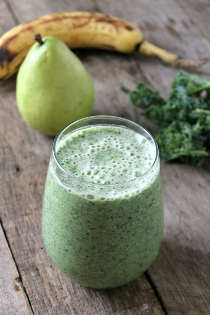 recette-smoohie-vert-a-base-de-chou-kale-banane-et-poire