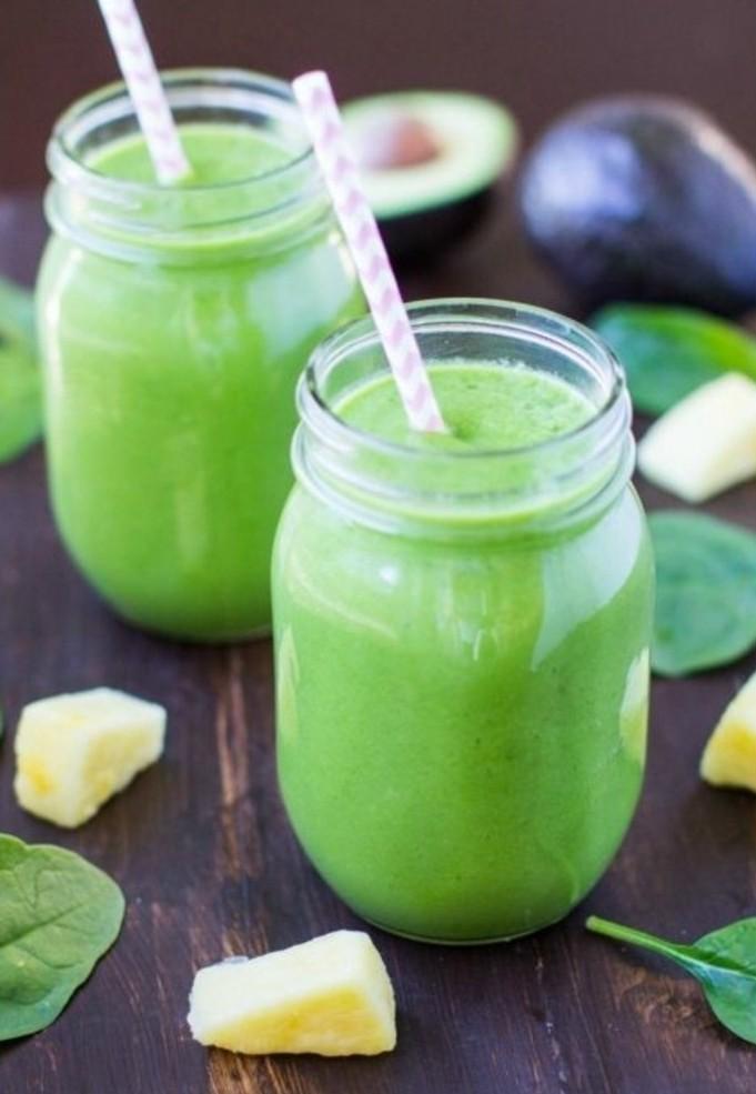 recette-smoothie-vert-aux-epinards-et-de-lananas