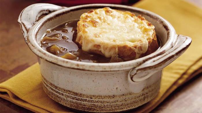 recette-soupe-a-l-oignon-hiver-potage-idee-recettes-courge
