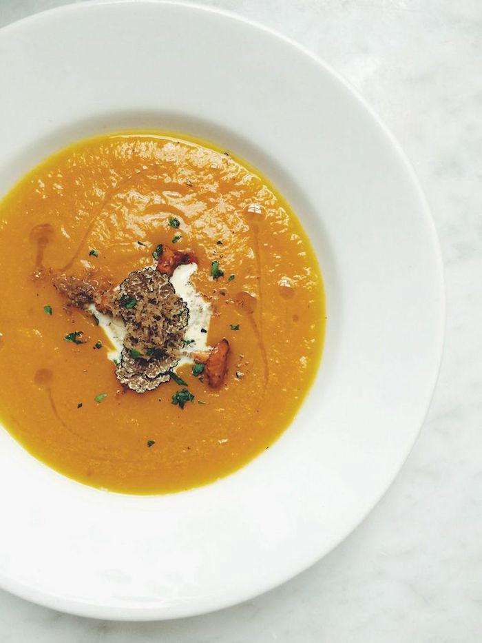 recette-veloute-potimarron-truffle-veloute-recettes-soupes-legumes-hiver