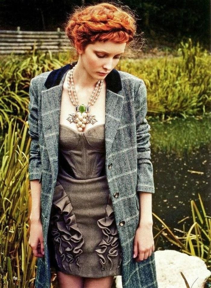 robe-elegante-en-tweed-manteau-droit-femme