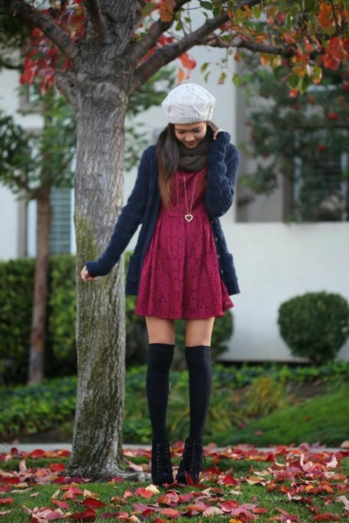 robe-en-dentelle-mode-chaussette-montante-bonnet-blanc