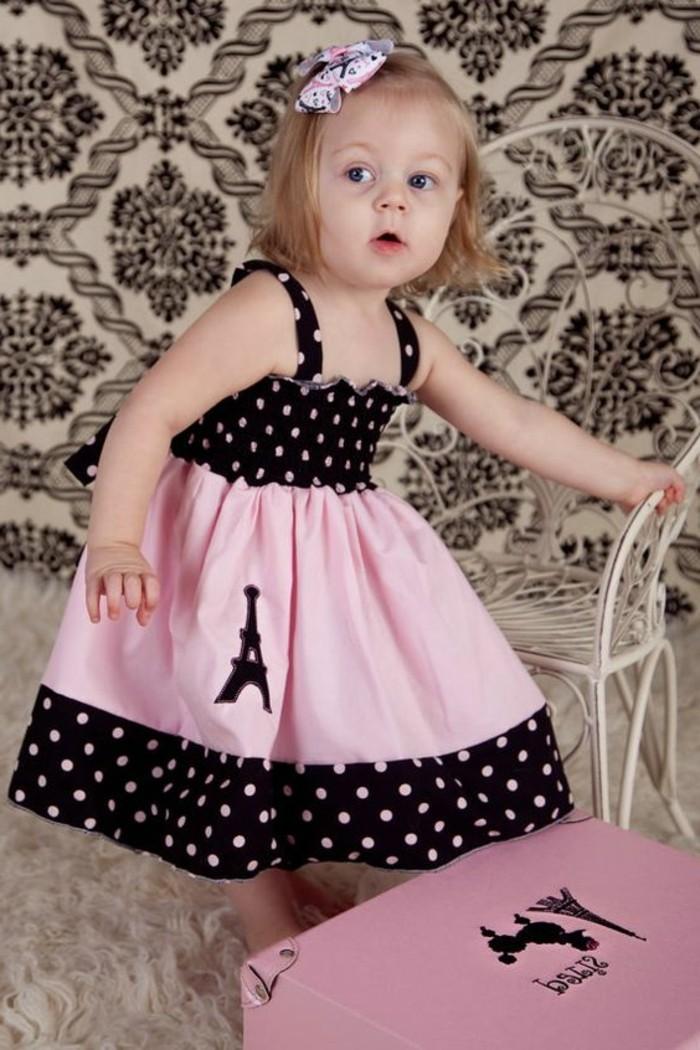 robe-fille-quatre-ans-robe-en-rose-et-noir-fillette-mignonne