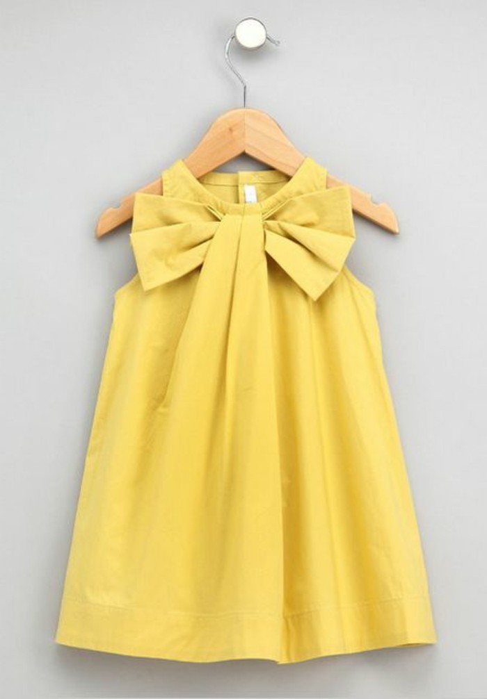 Robe pour petite fille qui produit un grand effet en 55 for Robe jaune pour mariage