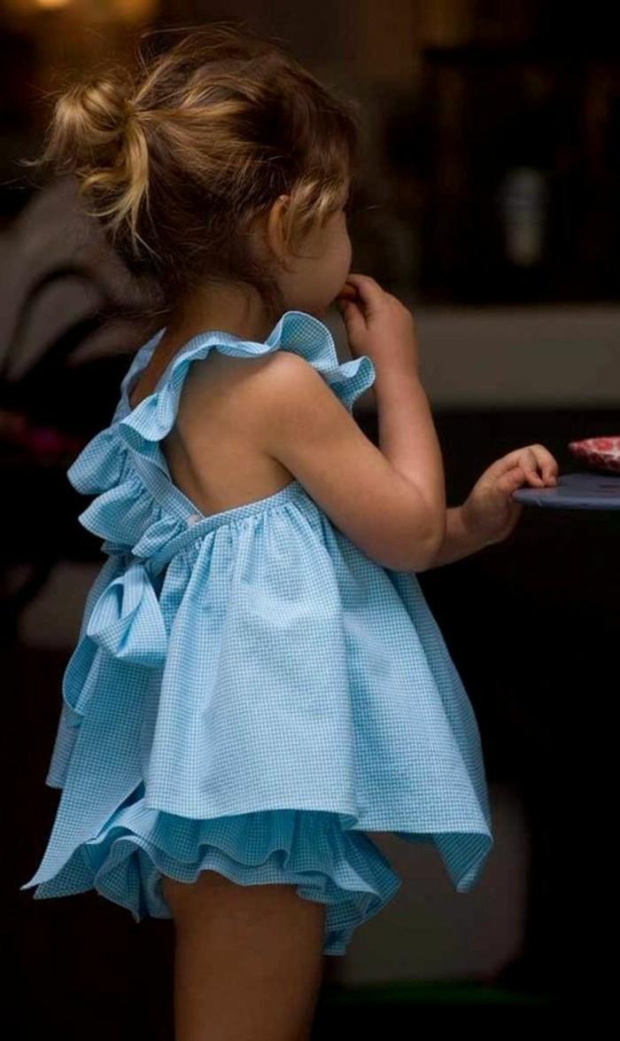 robe-fillette-bleue-vetements-coquets-pour-enfants