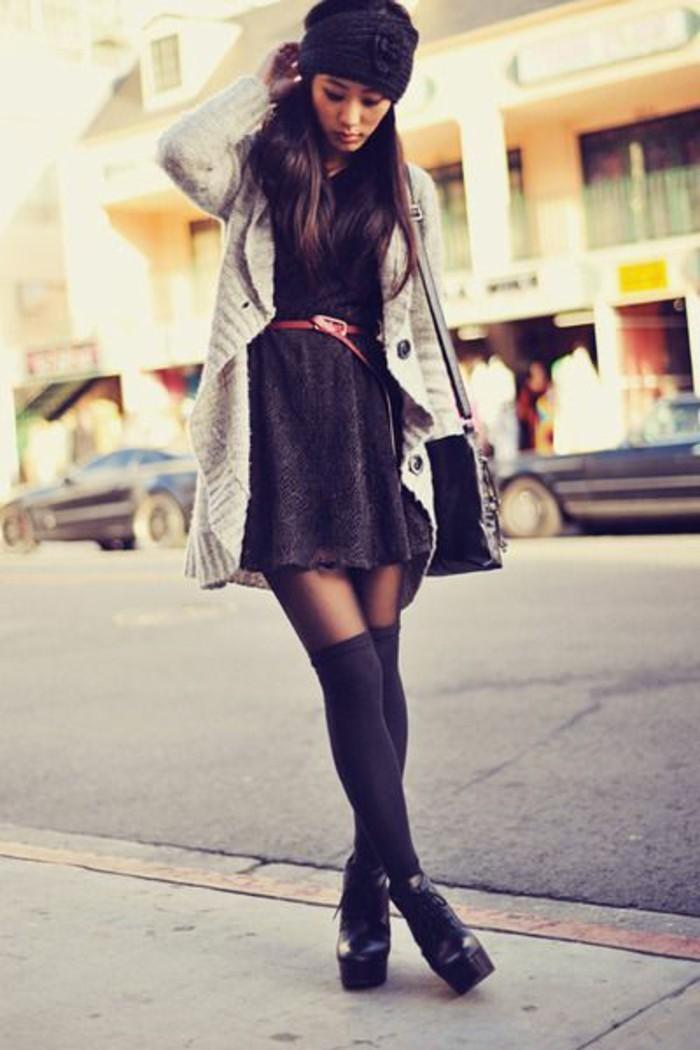 robe-noire-ceinturee-jambieres-noires-bottines-hauts-talons