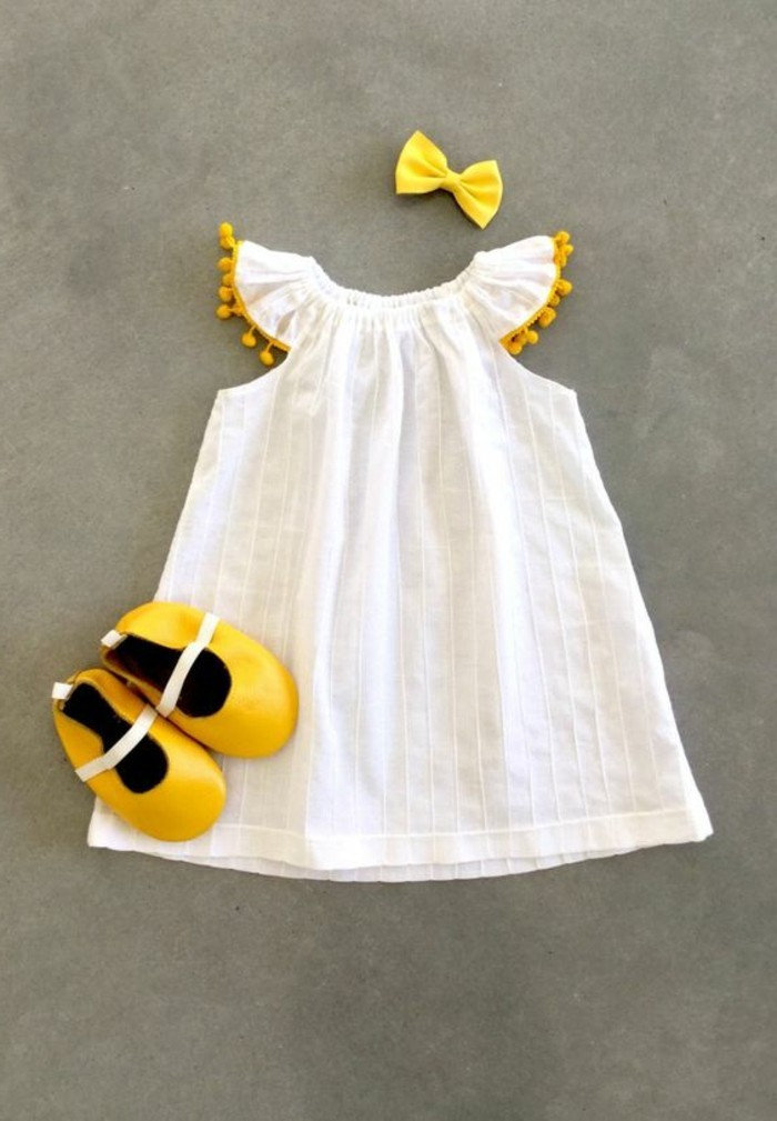 robe-pour-petite-fille-robe-blanche-stylee-pour-fillette