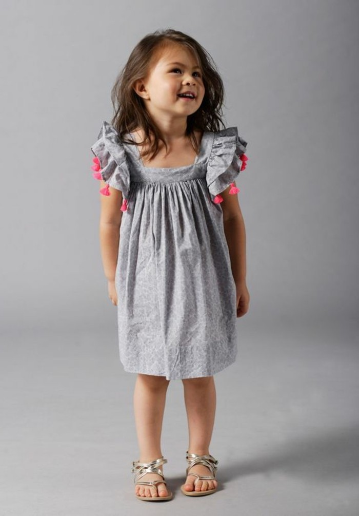 robe-pour-petite-fille-robe-grise-avec-franges-roses