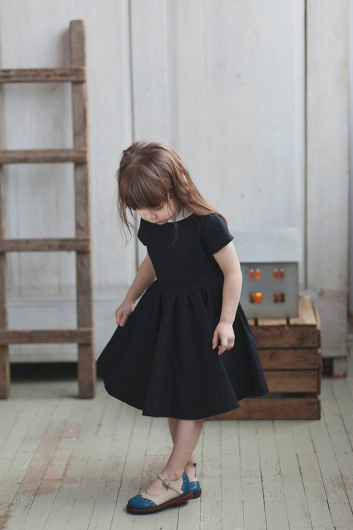 robe-pour-petite-fille-robe-pour-fillette-noire-robe-petite-fille-plissee