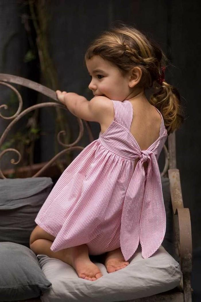 robe-pour-petite-fille-une-robe-rose-originale-petite-fille-sympa
