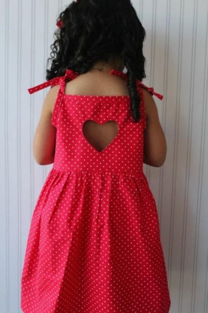 robes-enfant-robe-petite-fille-un-coeur-decoupe-au-dos