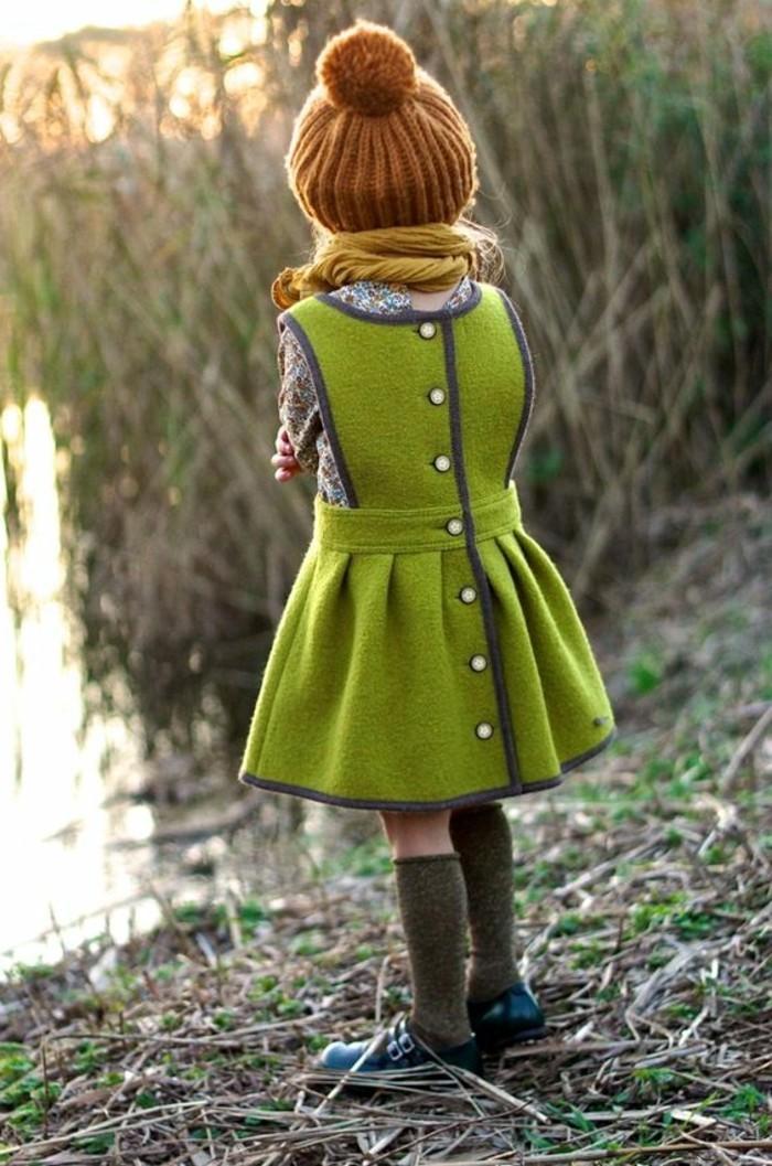 robes-enfant-une-robe-d'hiver-originale-robe-en-laine