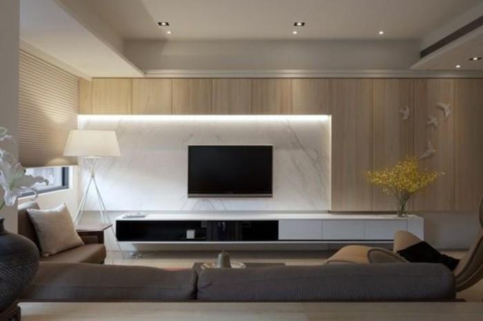 salon-en-longueur-canape-marron-canape-marron-mur-en-marbre-blanc-lampe-de-lecture-blanche