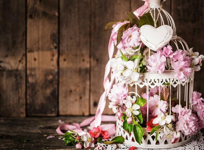 shabby-chic-mariage-cage-a-oiseaux-deco-en-rose