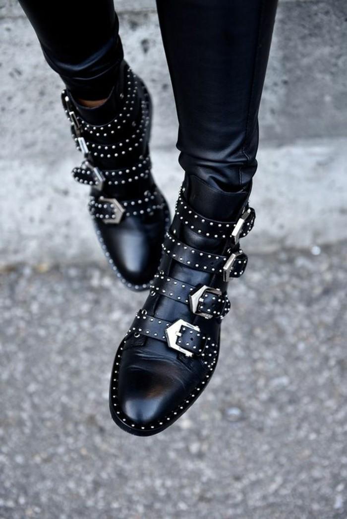 les bottines clout es la tendance chaussures qui a marqu l 39 hiver. Black Bedroom Furniture Sets. Home Design Ideas