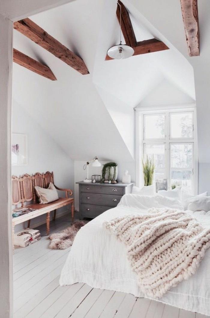 sol-en-planchers-beiges-couverture-de-lit-tricote-beige-et-rose-chambre-ado-design