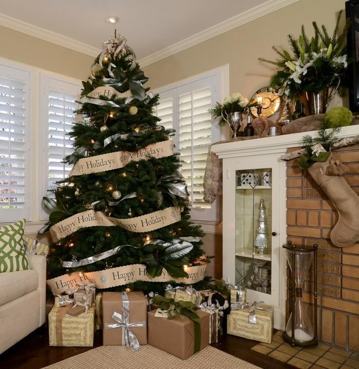 splendide-decoration-noel-sapin-elegant-classe-classique-deco