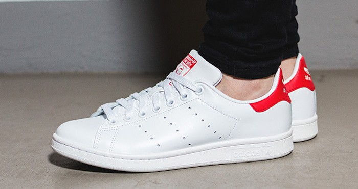 stan smith blanche rouge femme