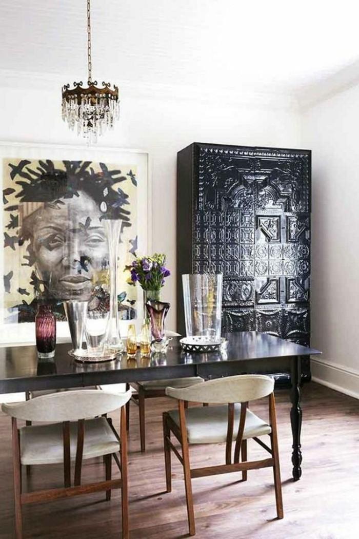 stickers-afrique-vases-chaise-de-bois-table-noir-lustre-exotique