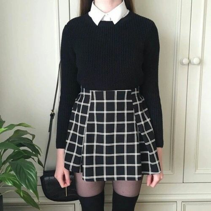 style-collegien-mode-chaussette-haute-dessus-collant