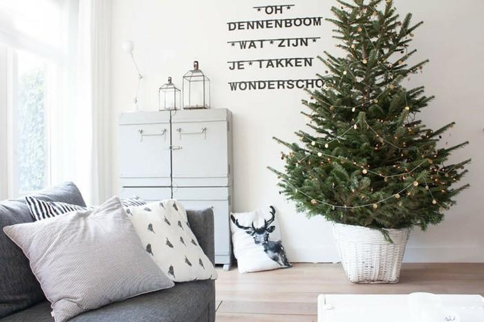 superbe-decoration-arbre-de-noel-nouvel-an-classique-salle-de-sejour