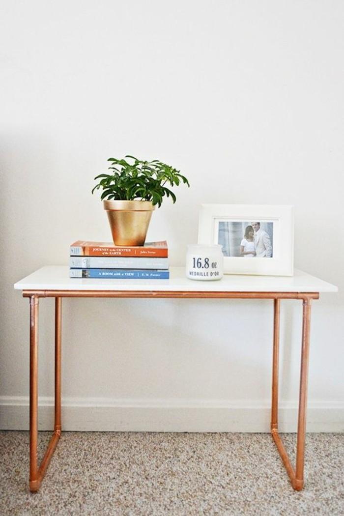 table-du-salon-en-marbre-et-pietement-tuyau-cuivre