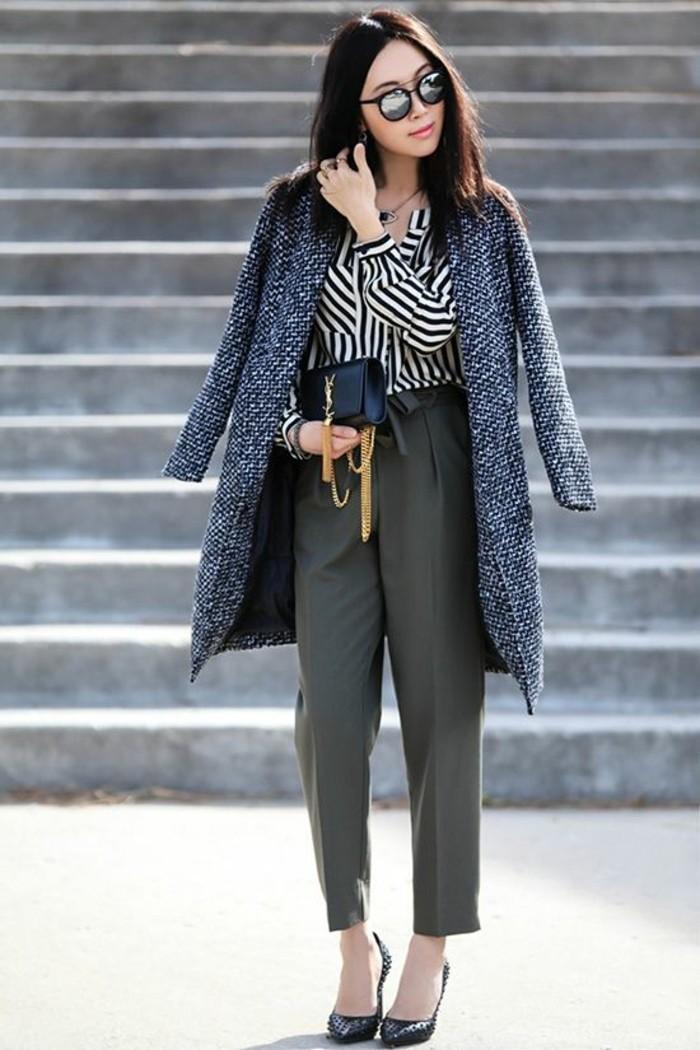 tenue-elegante-pantalon-droit-chemise-en-soie-manteau-gris-chine-femme