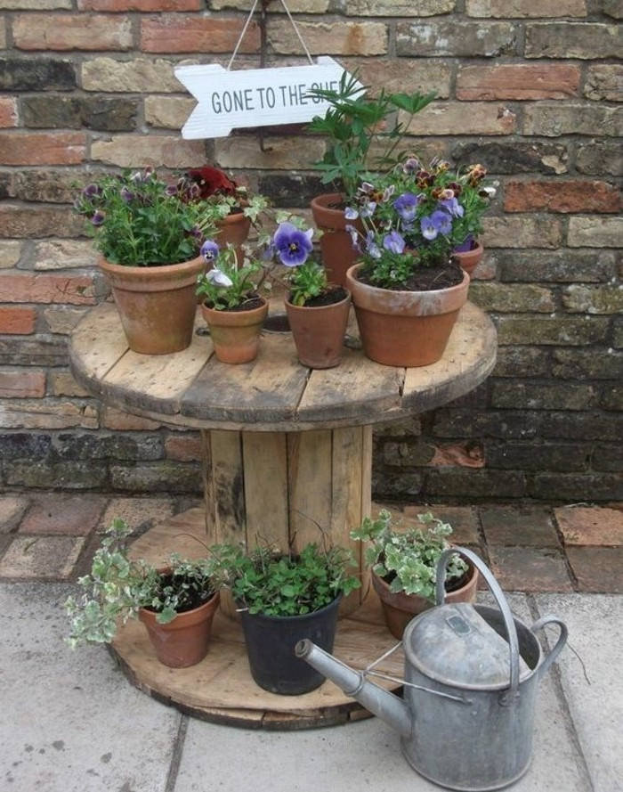 Table basse de jardin a faire soi meme for Vive le jardin 06