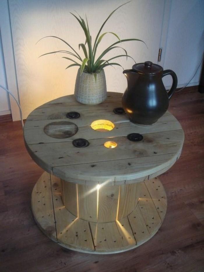 touret-table-basse-avec-eclairage-integre-idee-diy-que-faire-avec-un-touret-resized