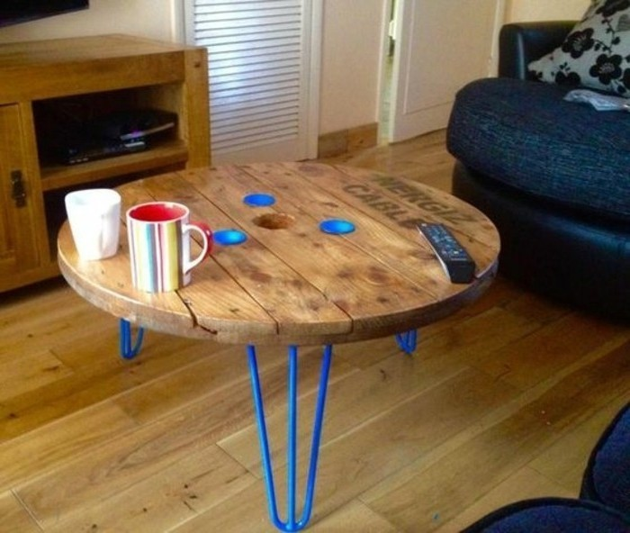 1001 id es que faire avec un touret des inspirations r cup - Comment transformer une palette en table basse ...