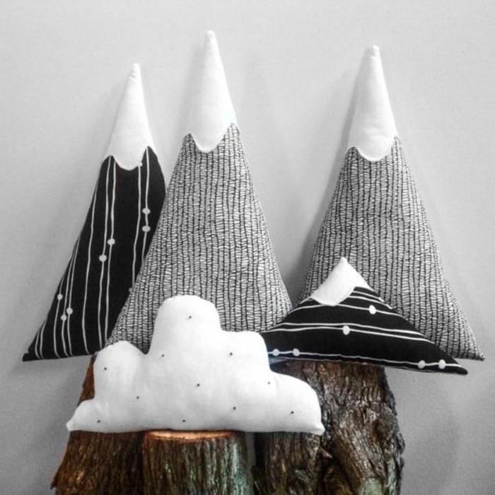 tuto-coussin-sapin-et-montagnes-enneiges-buche-decorative