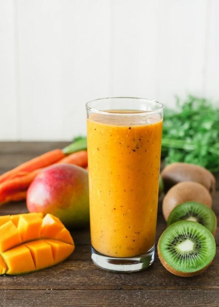 un-mixe-de-fruits-et-legumes-tres-nourrissant-regime-smoothie