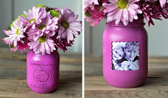 un-vase-mauve-avec-une-photo-integree-idee-comment-fabriquer-un-cadre-photo