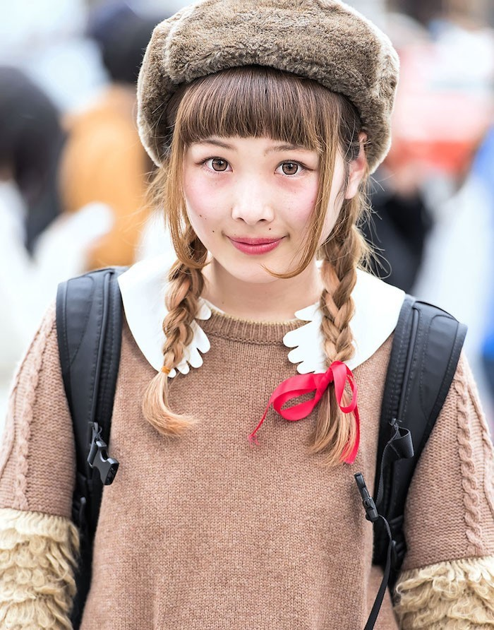 une-chapka-fille-chapeau-russe-siberie-bonnet-armee-russie-fourrure-lapin