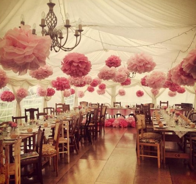Fabriquer une fleur en papier de soie 67 id es diy remarquables - Idee deco salle de mariage ...