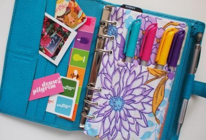 une-pochette-pour-vos-stylos-une-autre-idee-de-complement-a-inserer-dans-son-planner-agenda-scolaire-personnalise