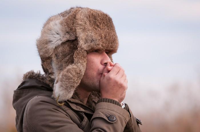 ushanka-chapka-homme-bonnet-russe-chapeau-fourrure-russie-canada