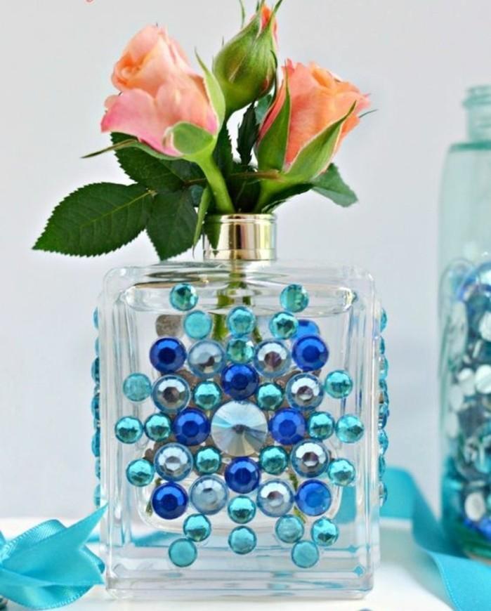 nos suggestions pour r aliser un vase soliflore original. Black Bedroom Furniture Sets. Home Design Ideas