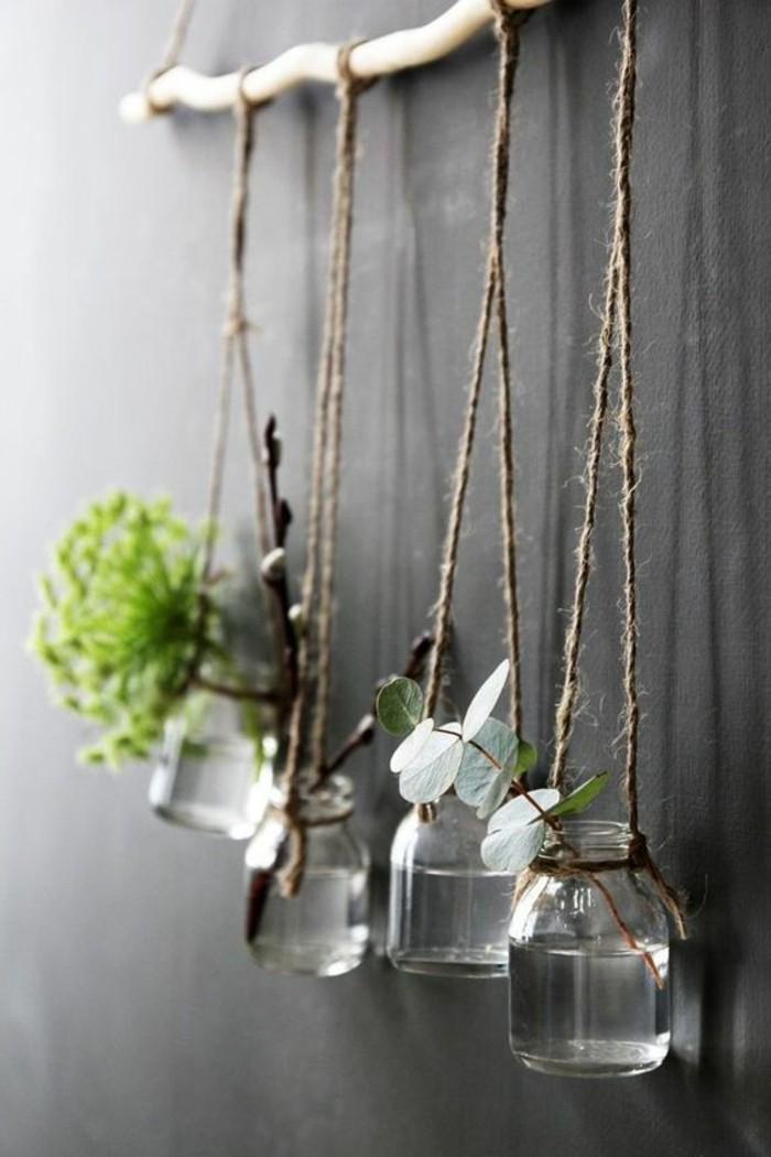 1que-faire-avec-des-pots-de-yaourt-en-verre-décoration-fleurs-suspension-murale