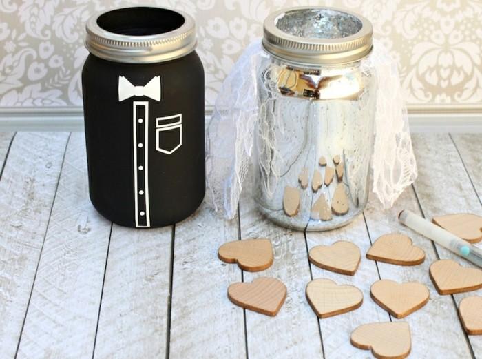 1que-faire-avec-des-pots-de-yaourt-en-verre-décoration-mariage-coeurs-en-bois