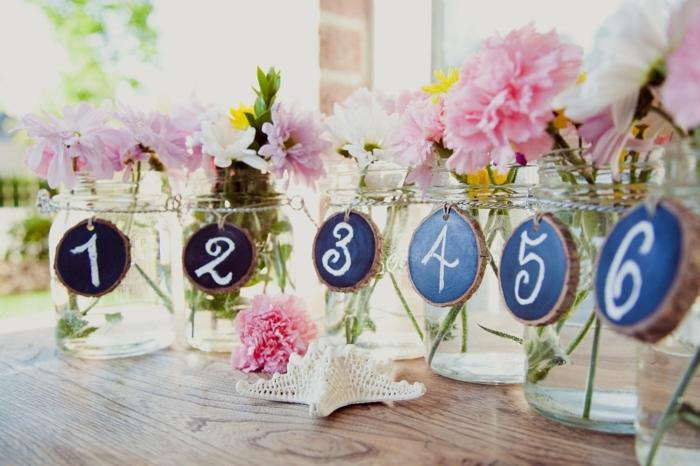 1que-faire-avec-des-pots-de-yaourt-en-verre-décoration-mariage-fleurs-numéro
